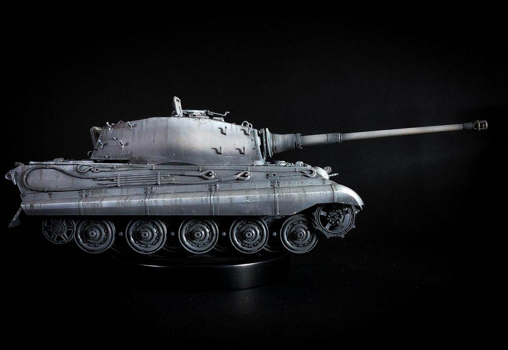 Tiger Tank a escala 1:35 (Tamiya Models) en gama de grises (black & white)